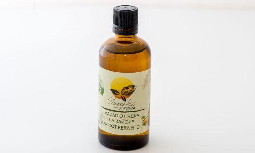 Кайсиево масло от ядки на кайсия Хунза